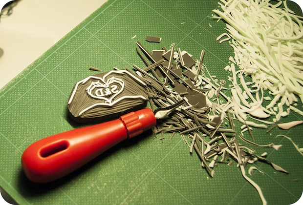 05_Carving_Custom_Monogram_Stamp_flickr_roundup