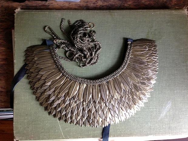 starsforstreetlights_feather_necklace_01