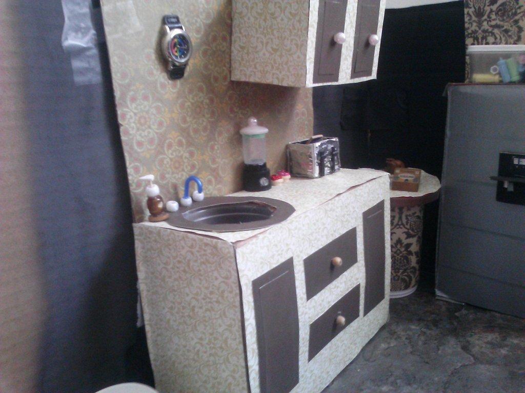 homemade-barbie-dream-house-3
