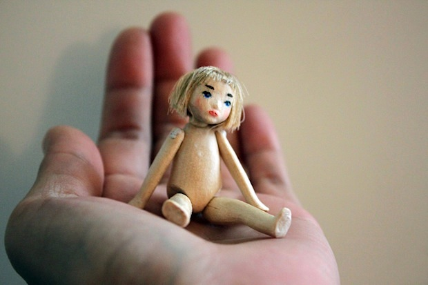 01_Miranda_the_tiny_wooden_jointed_doll_flickr_roundup