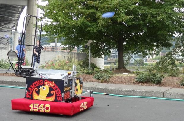 Frisbee robot