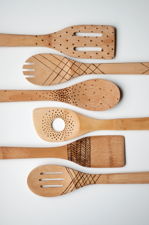 designmom_etched_wooden_spoons_02