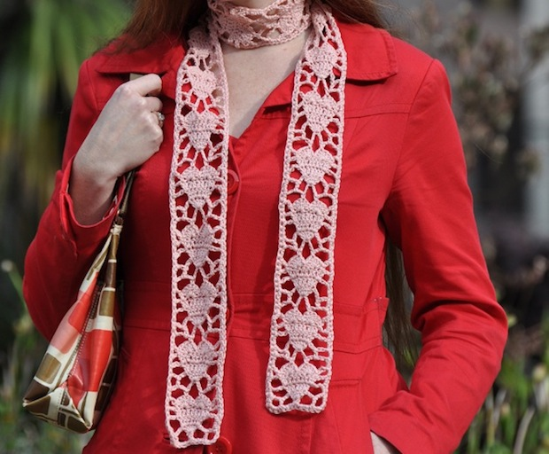 craft_crochet_heart_scarf_finished1