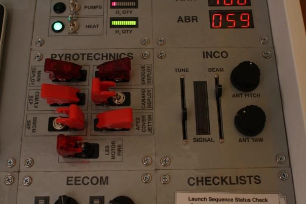Mission Control Desk PYRO INCO
