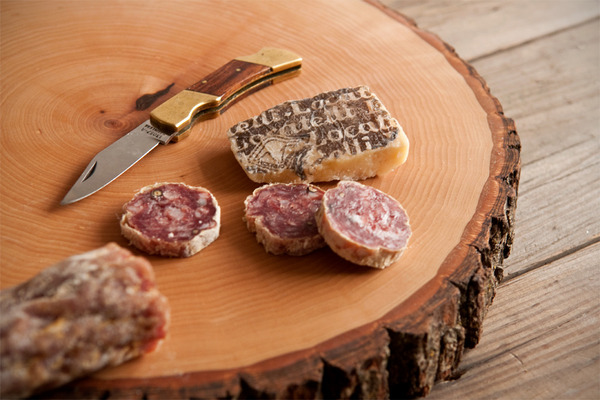 wood slice cutting board-2