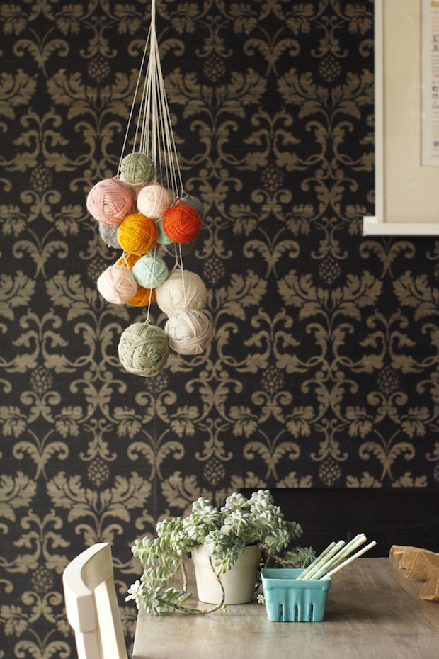 hgtv_yarn_chandelier_01