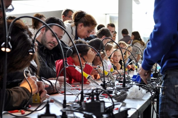 Learn to solder stations at the Saint-Malo Mini Maker Faire.