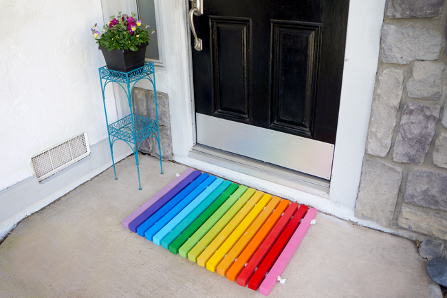 diy-rainbow-doormat