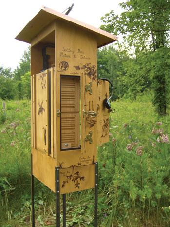 M39-Peebles-Audio-Bee-Booth-side