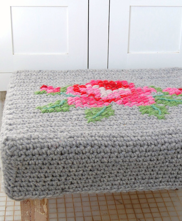 rosehip_crocheted_footstool_cover_02