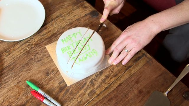 mathematical-cake-cutting-1