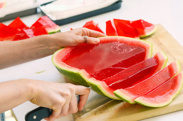 buzzfeed_giant_watermelon_jello_shots_01