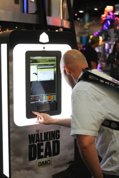 """Stepping into the world of """"The Walking Dead"""" at the 3DMe photo kiosk"""