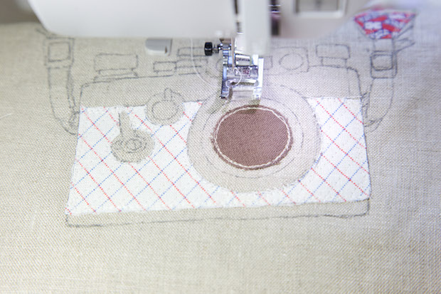minkikim_camera_embroidery_tote_bag_02