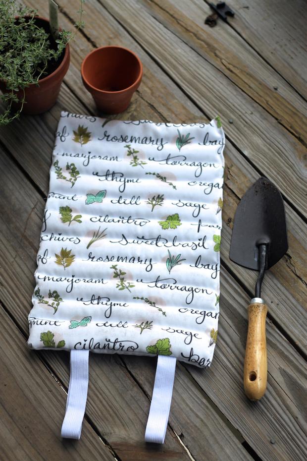 spoonflower_garden_kneeling_pad_01