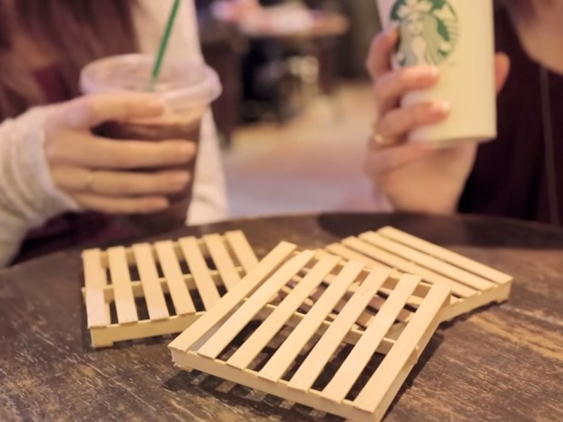 Diy mini pallet coaster make for Crafts made with pallets