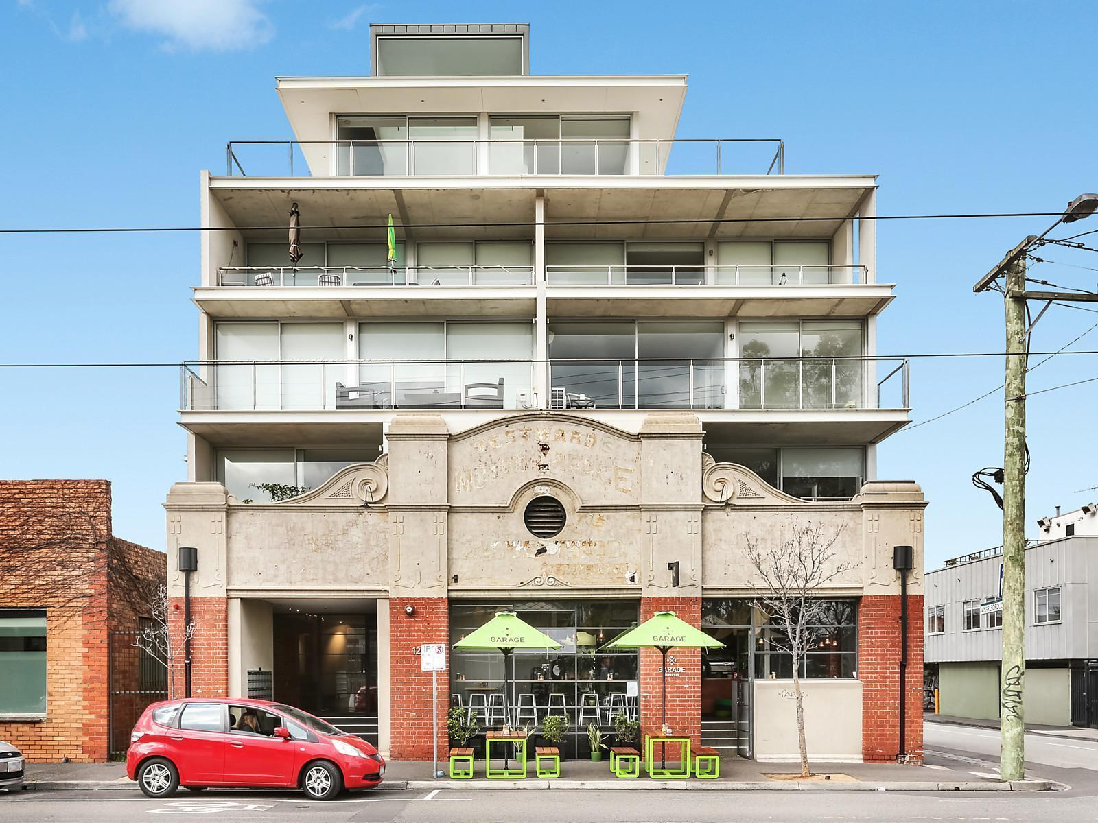 2 Bedroom Unit For Rent Melbourne 202 126 Chapel Street St Kilda Apartment Sold Mcgrath