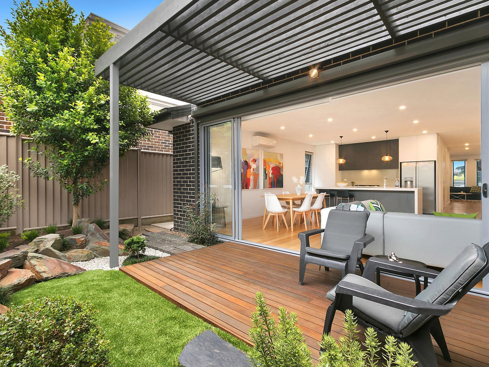 2 Bedroom Unit For Rent Melbourne 3a Yorkshire Street Pascoe Vale Townhouse Sold Mcgrath