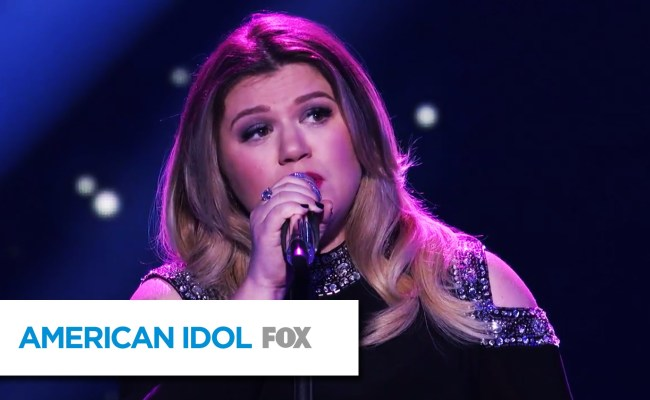 Kelly Clarkson Performs Piece By Piece And Makes Idol