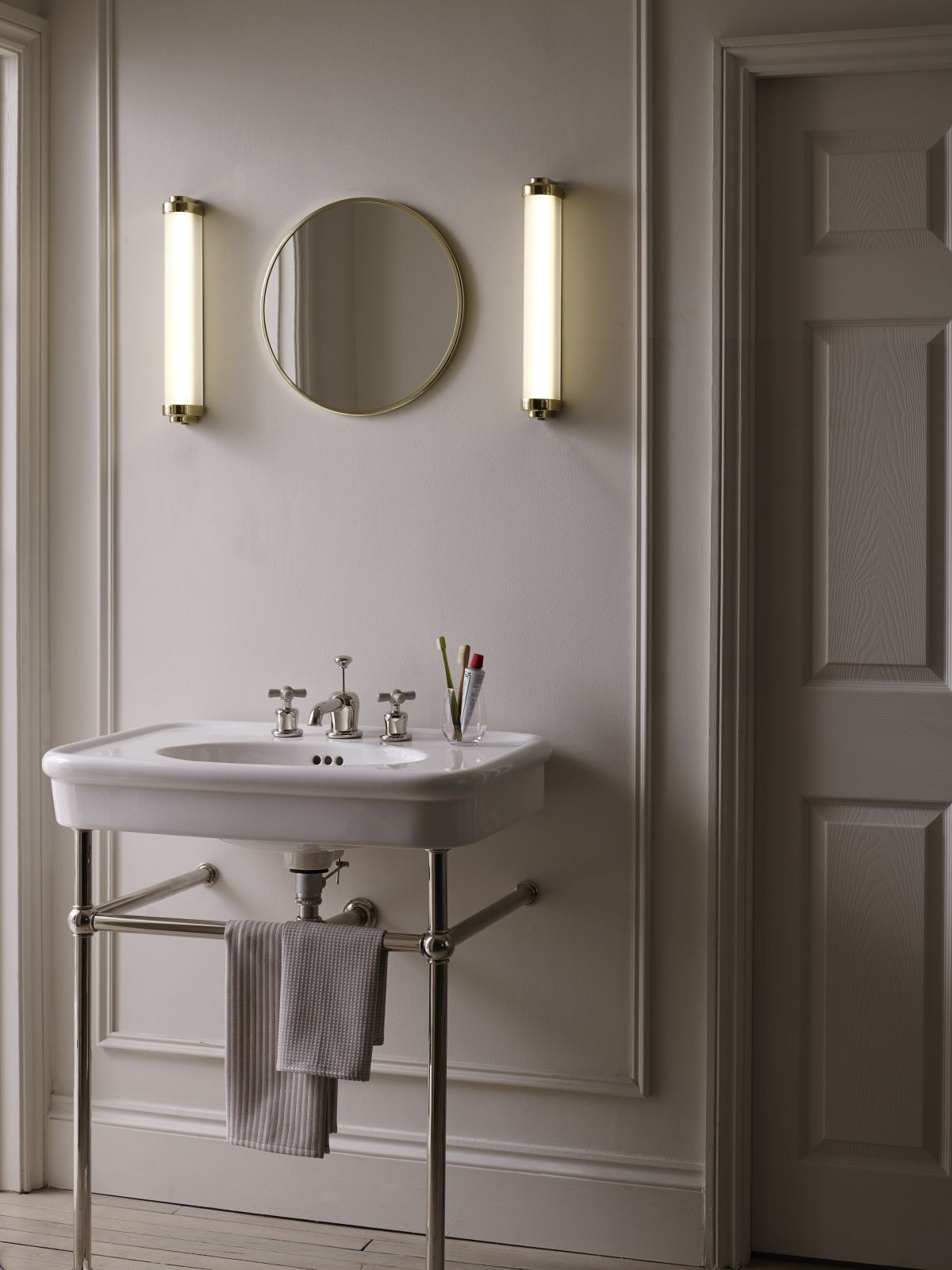 20 Bathroom Lighting Ideas Beautiful Ways To Brighten Up Your Space Real Homes