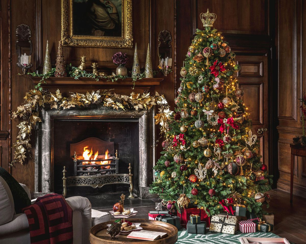 Kelly Hoppen S Christmas Decorating Ideas Homes Gardens