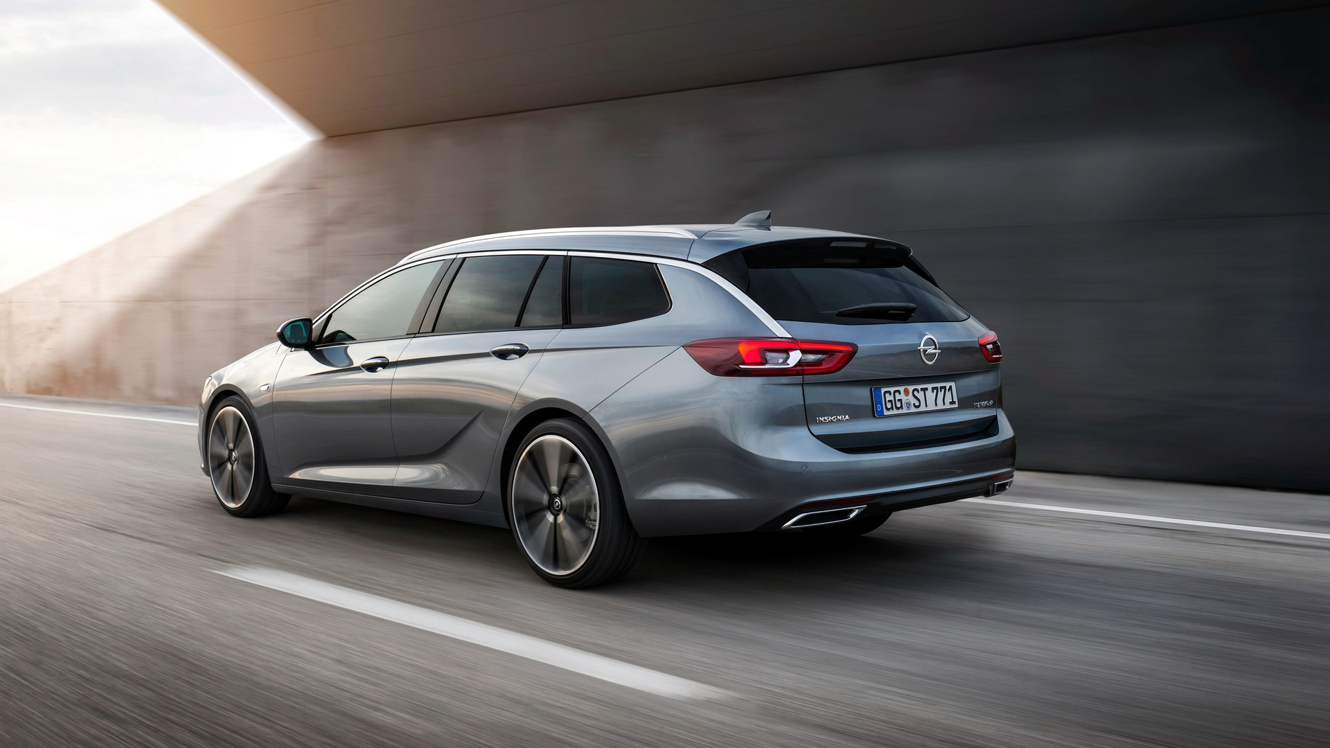 Vauxhall Insignia 2018 2017 Opel Insignia Sports Tourer Out For Passat Variant Blood
