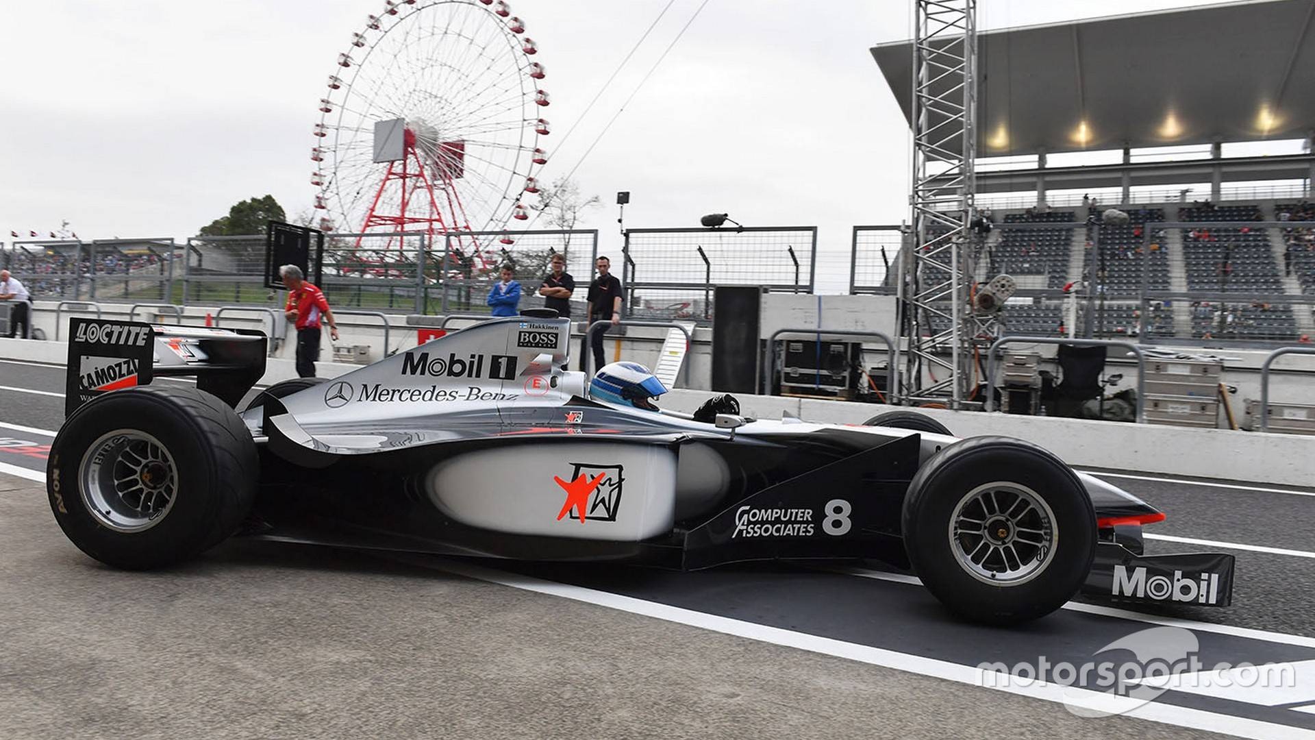 Mobil Libre Mika Hakkinen Drives Title Winning Mclaren At Suzuka