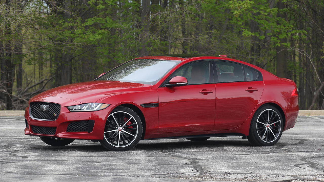 Jaguar Xe Engine 2018 Jaguar Xe S Awd 10 Things You Need To Know