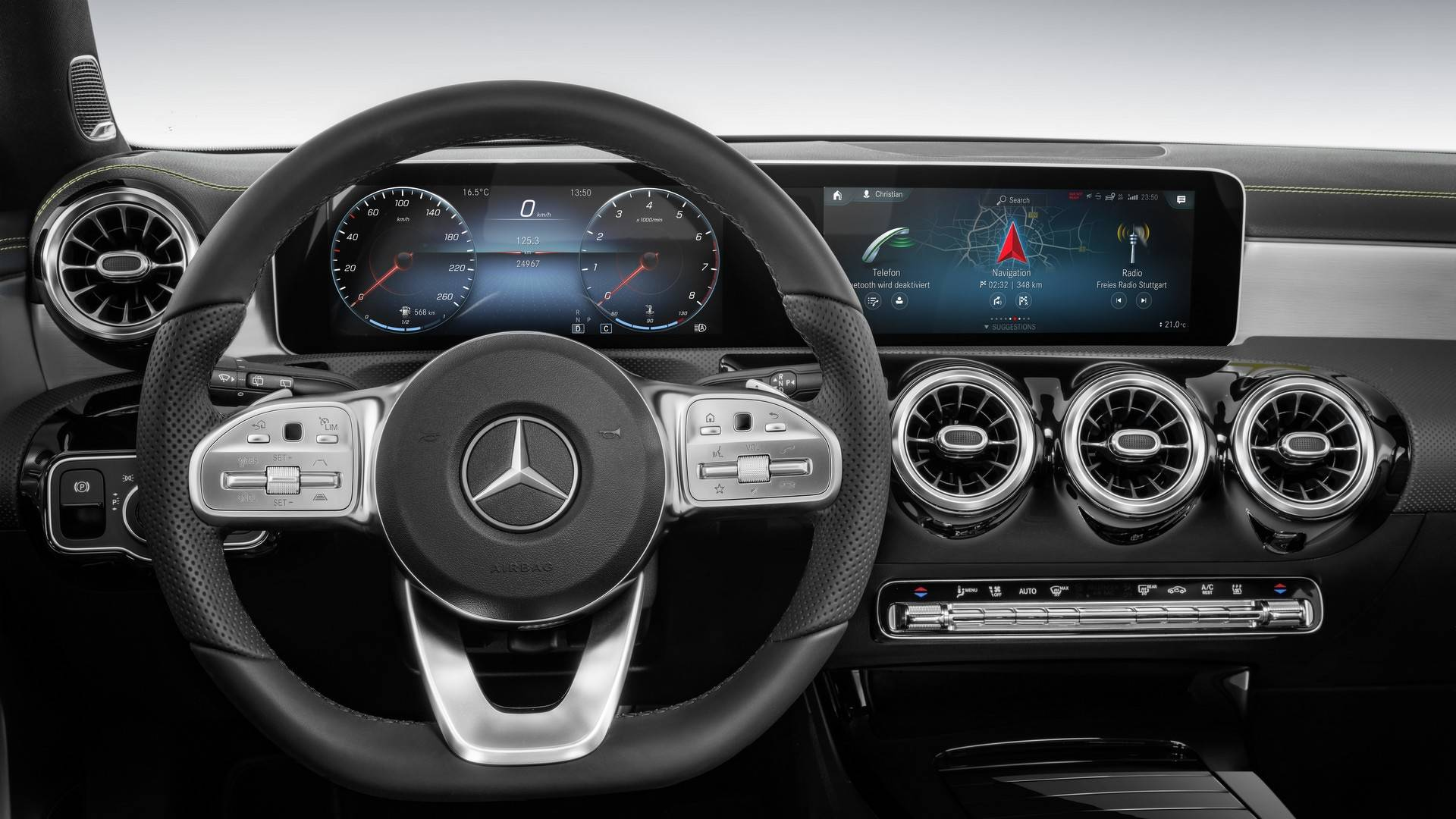 Mercedes B Klasse 2018 Interieur Mercedes A Class Shows Off Tech Heavy Dashboard In Great Detail