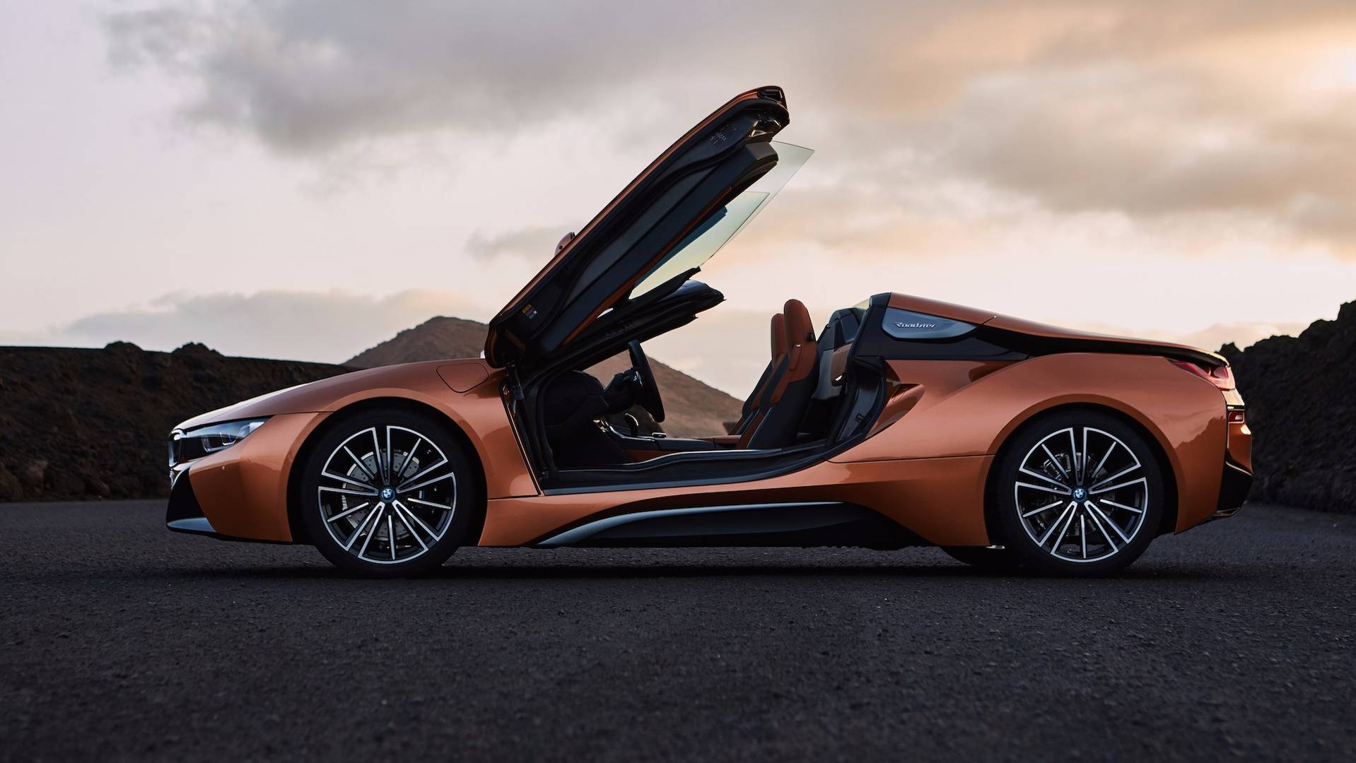Bmw I8 Interieur Bmw I8 Roadster 2018 Hybrid Sports Car Gets Even More Appeal