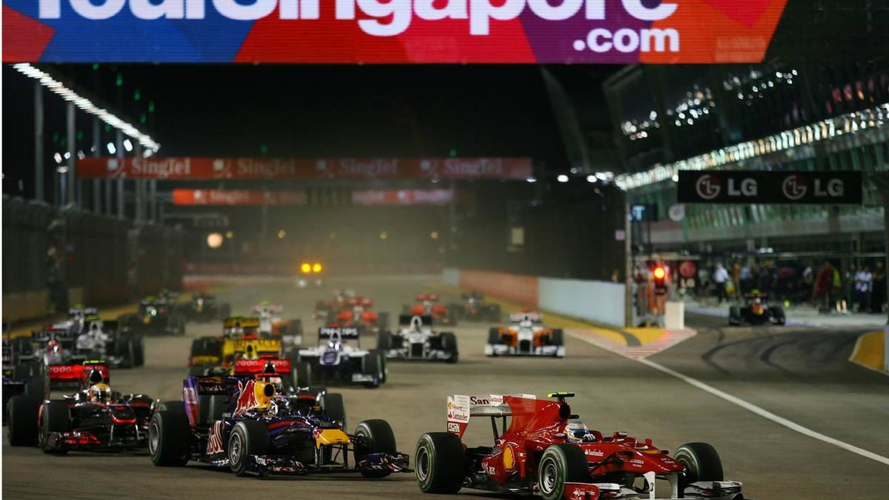 Fernando Alonso F1 Grand Prix Fernando Alonso Esp Scuderia Ferrari Leads The Start Of The