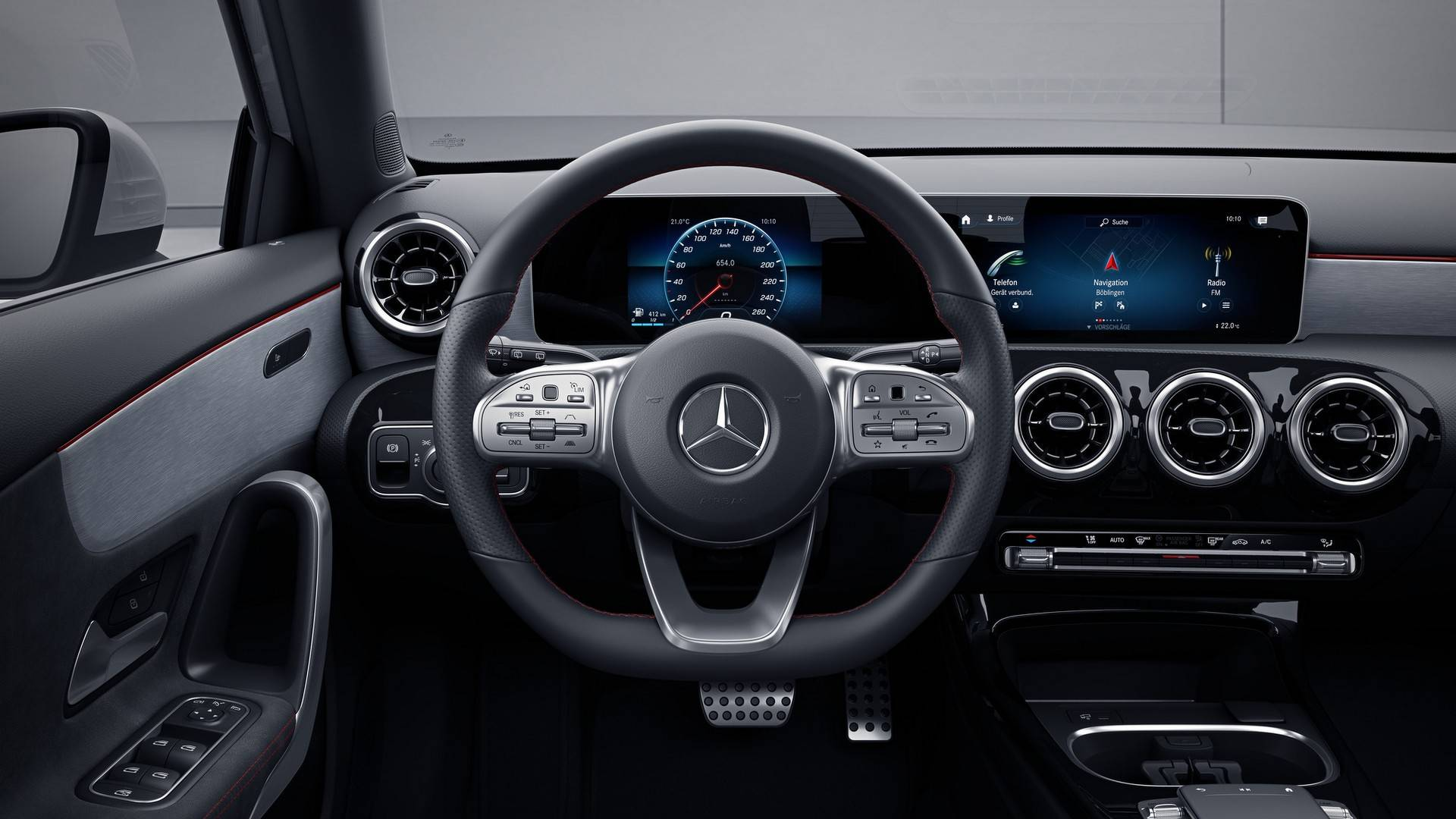 Mercedes B Klasse 2018 Interieur Mercedes Explains Why 2019 C Class Doesn T Have Mbux Infotainment