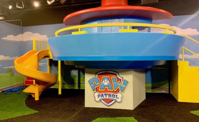 New Pop Up Experience Toys R Us Adventure Chicago Review