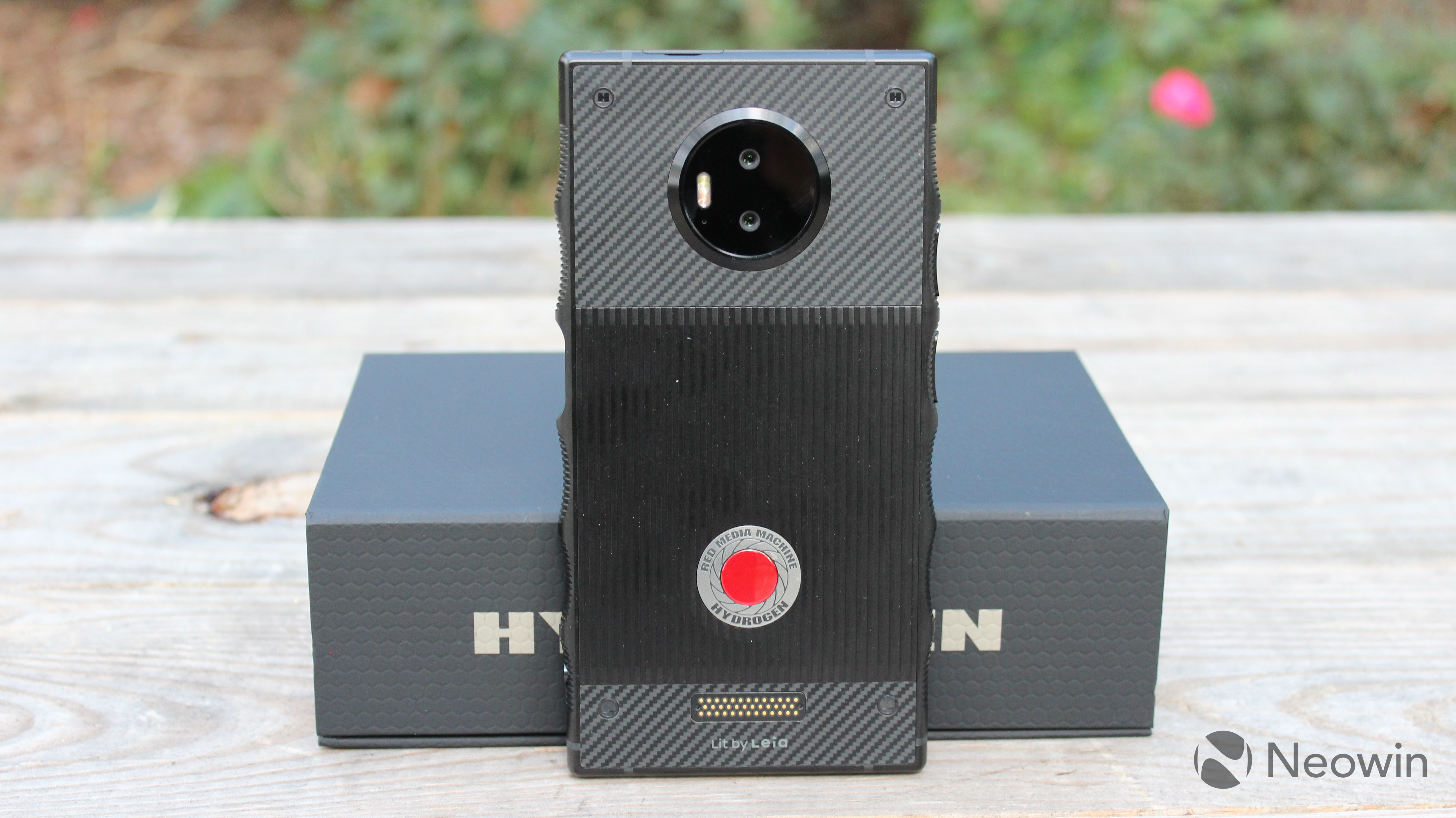 Lit Chinois But Unboxing The First Holographic Smartphone The Red Hydrogen One