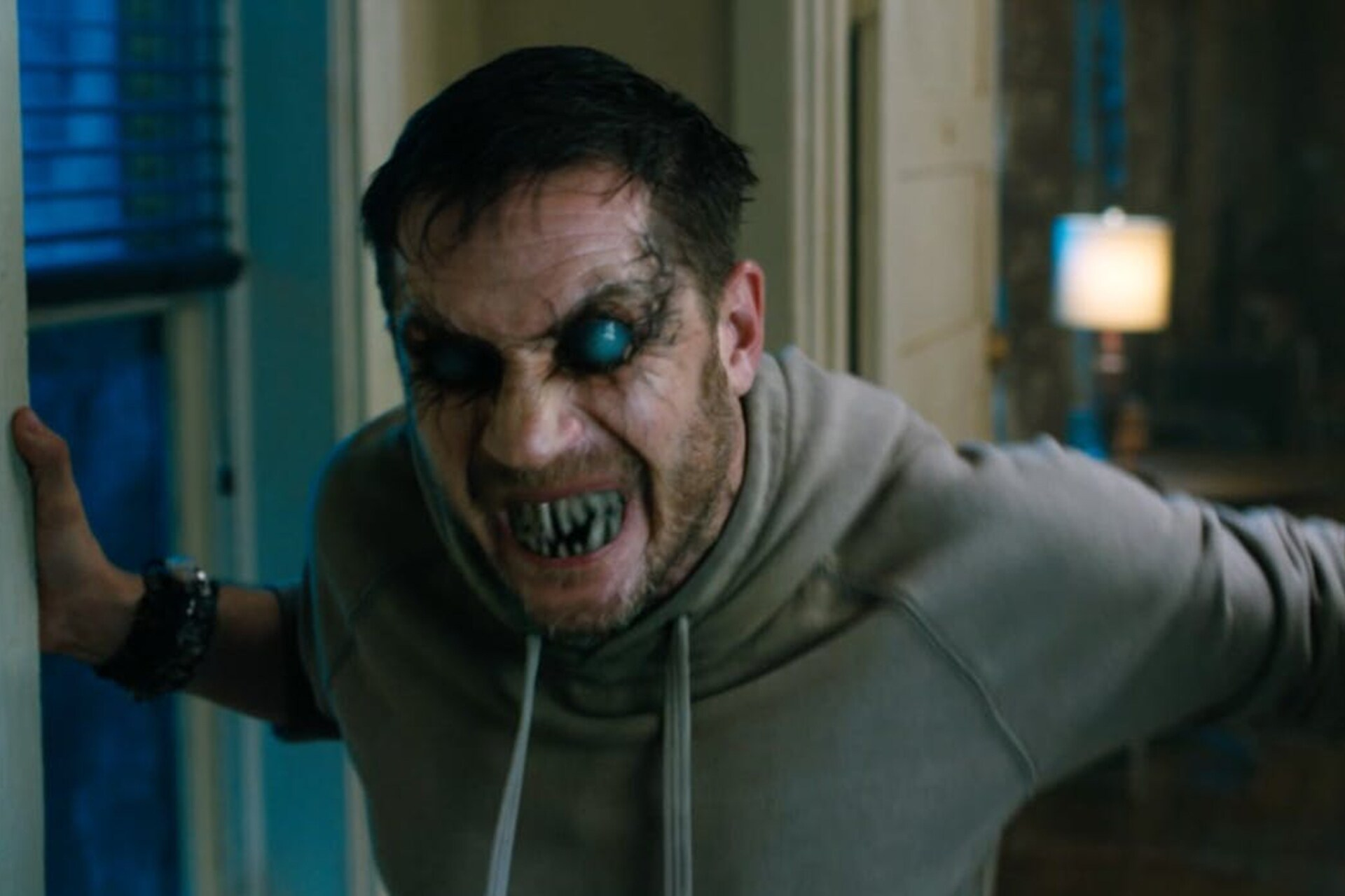 Tom Trailer Watch Tom Hardy Unleash Hell In The New Venom Trailer Gq
