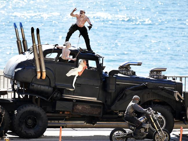 Mighty Car Mods Wallpaper Mad Max Fury Road Hell On Wheels Hits Sydney For Film