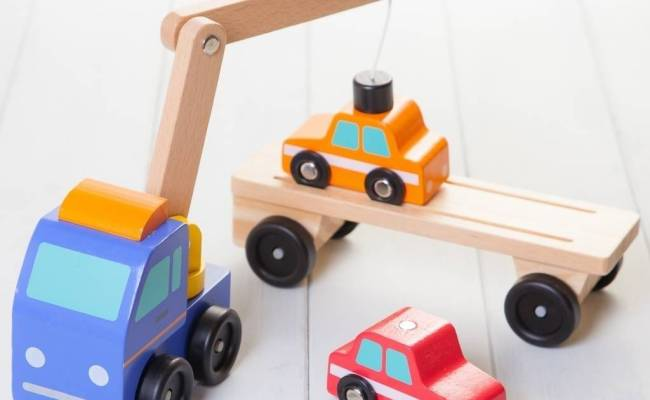 Magnetic Wooden Car Transporter Toy Crane By British And