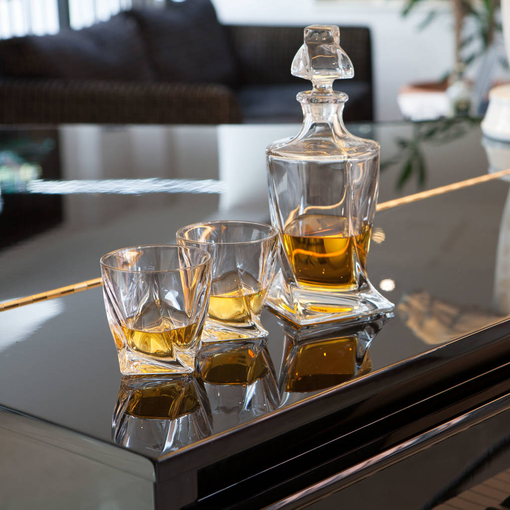 Whiskey Set Personalised Twist Whisky Crystal Set