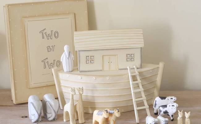 Large Noah S Ark And Animals In Gift Box By Little Ella