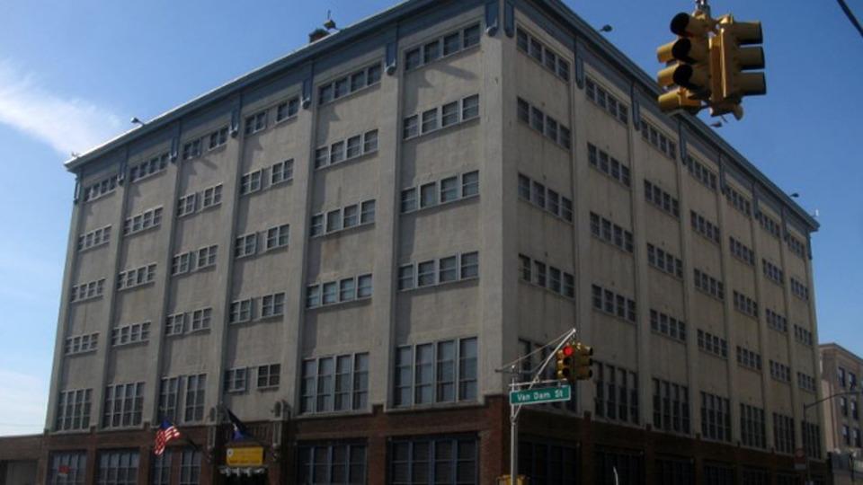 New York Corrections Officer Kills Self Outside Prison