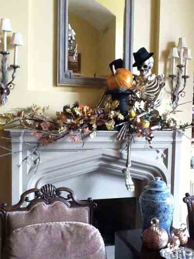 40 Spooktacular Halloween mantel decorating ideas