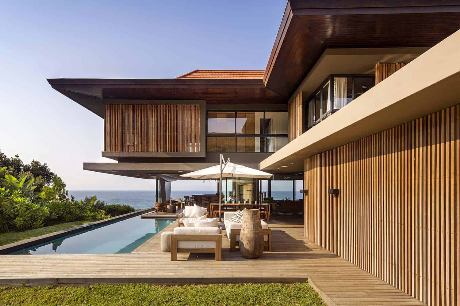Home Und Design Modern Tropical Style Home Nestled Along The Dolphin Coast