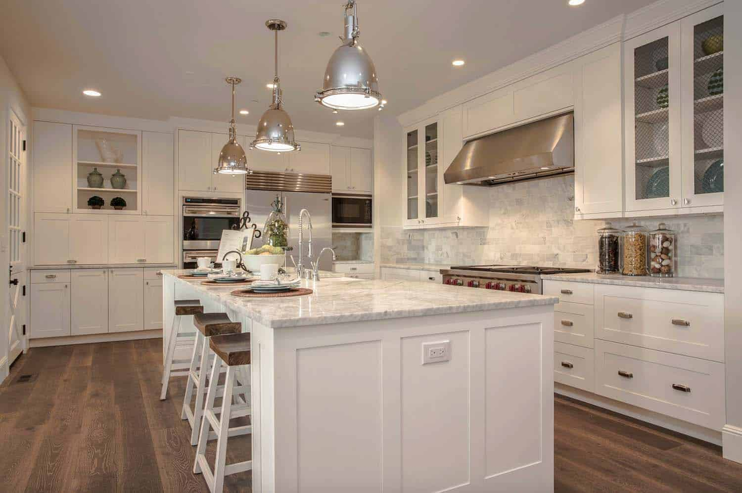 Mediterraner Bungalow 25 Breathtaking Carrara Marble Kitchens For Your Inspiration
