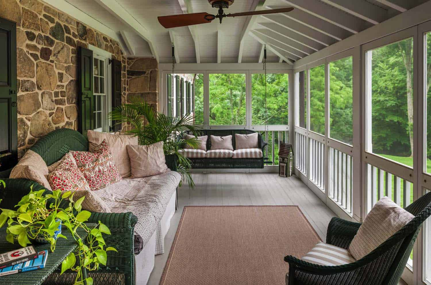 45 Amazingly Cozy And Relaxing Screened Porch Design Ideas