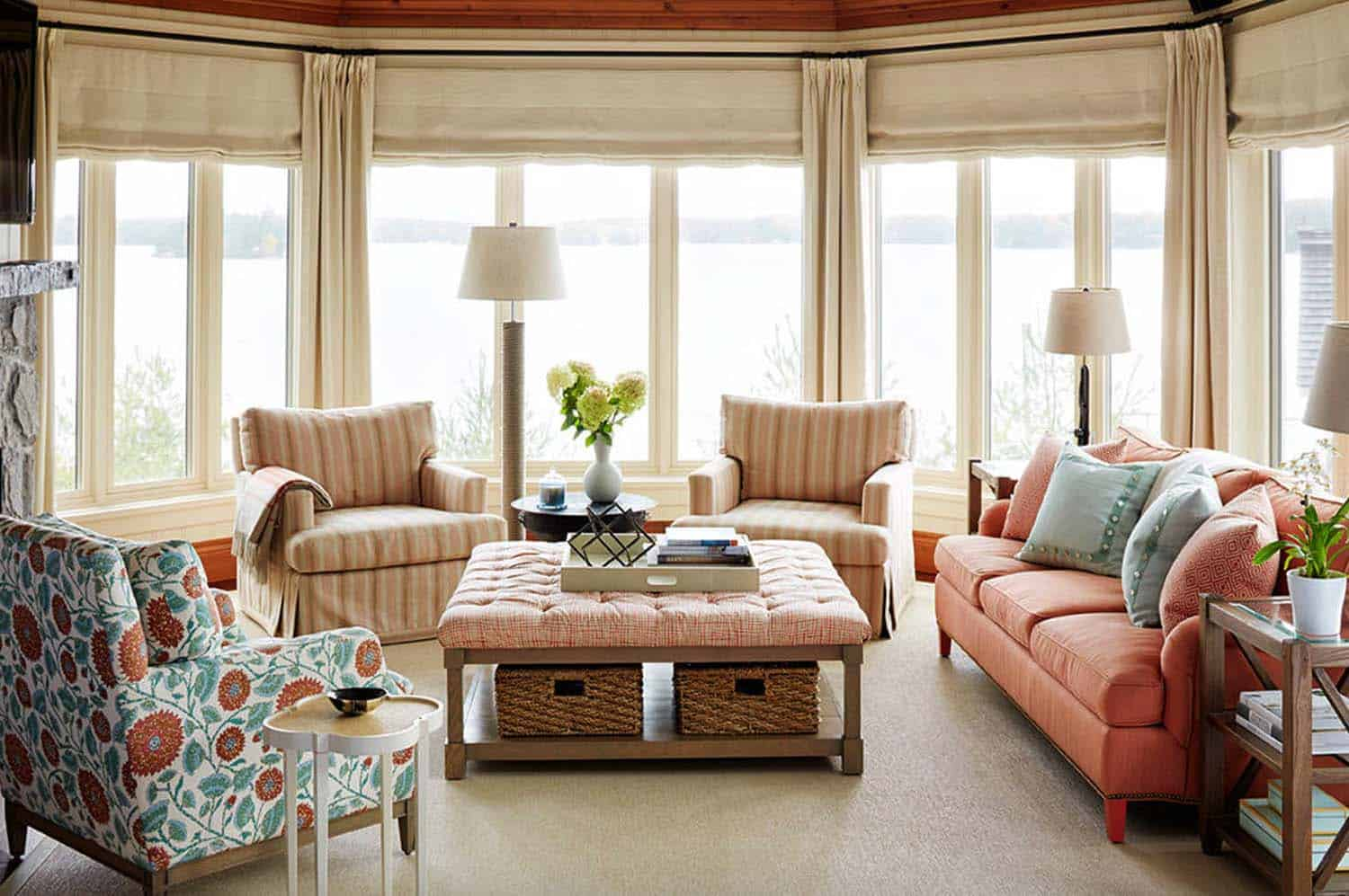 Lake Home Decor A Delightful Muskoka Lake House With A Soothing Ambiance