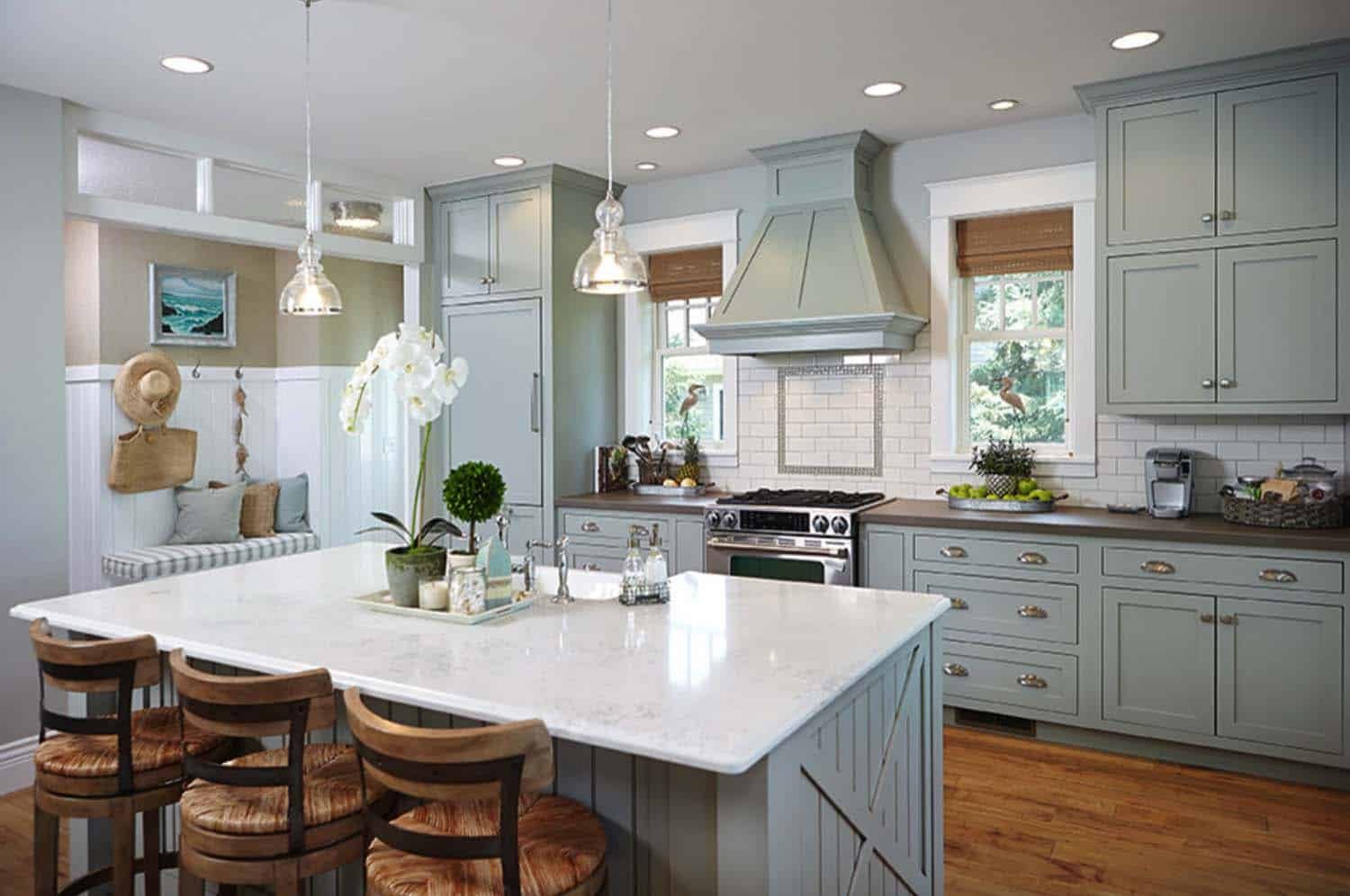 Beach Style Kitchen Cabinets Stunning Beach Style Cottage Designed For Family Living In
