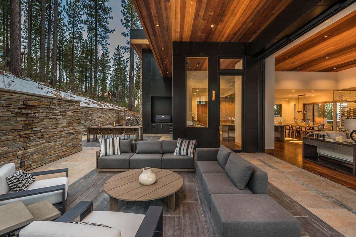 Fabulous Mountain Dwelling With Jaw Dropping Views Of