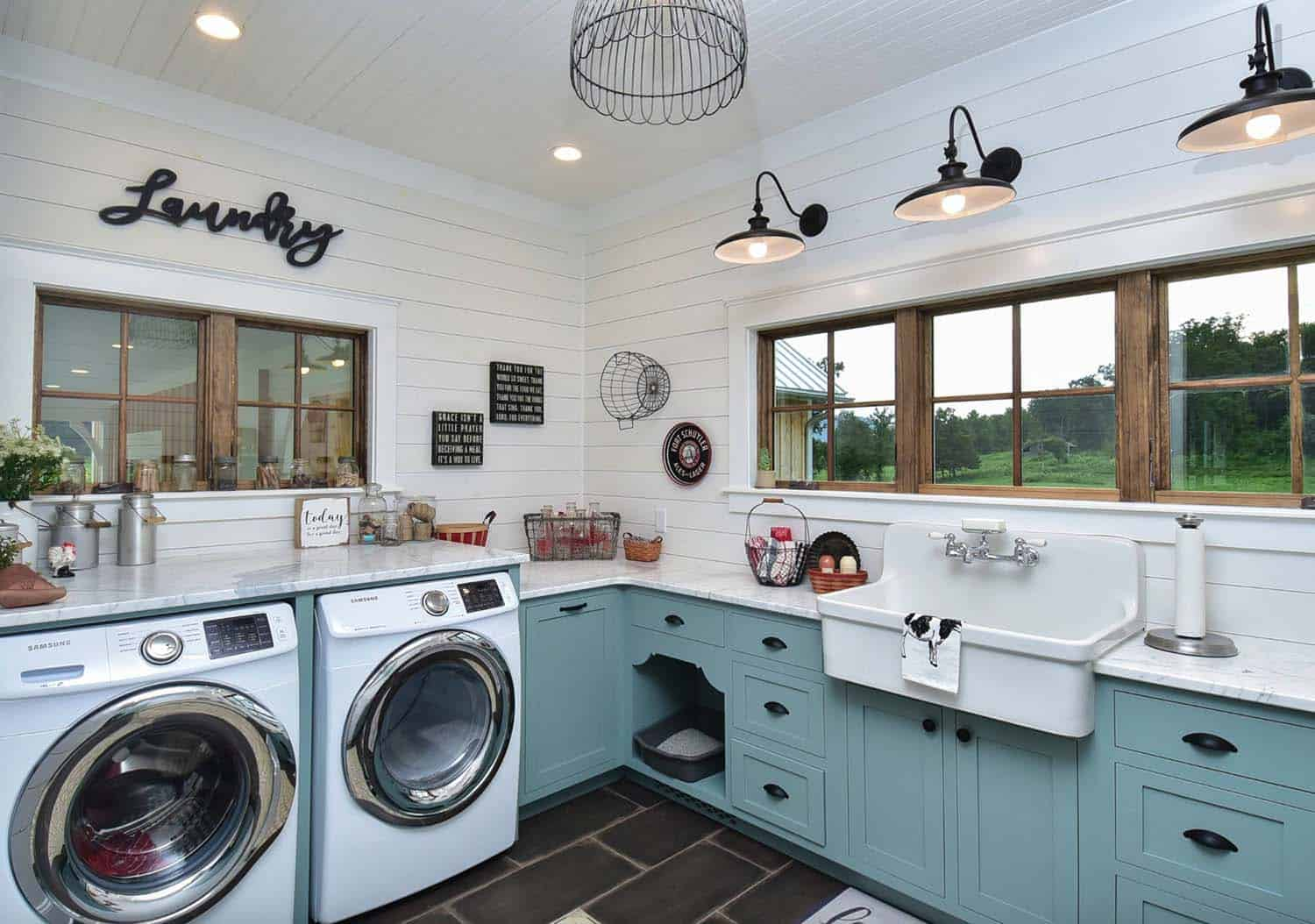 45 Functional And Stylish Laundry Room Design Ideas To Inspire