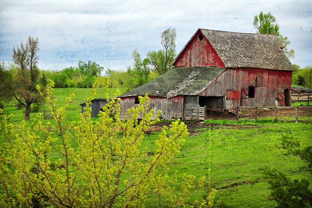 Frosty Fall Fields Wallpaper 15 Photos Of Beautiful Old Barns In Iowa