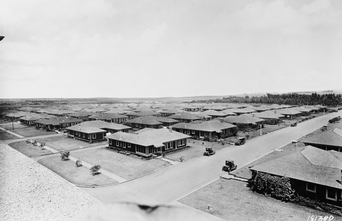10) Housing at Schofield Barracks in the territory of Hawaii, circa 1925.